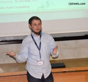 Speaker at JBNF event on mobile apps - photo by rjstreets.com's Sharon Altshul
